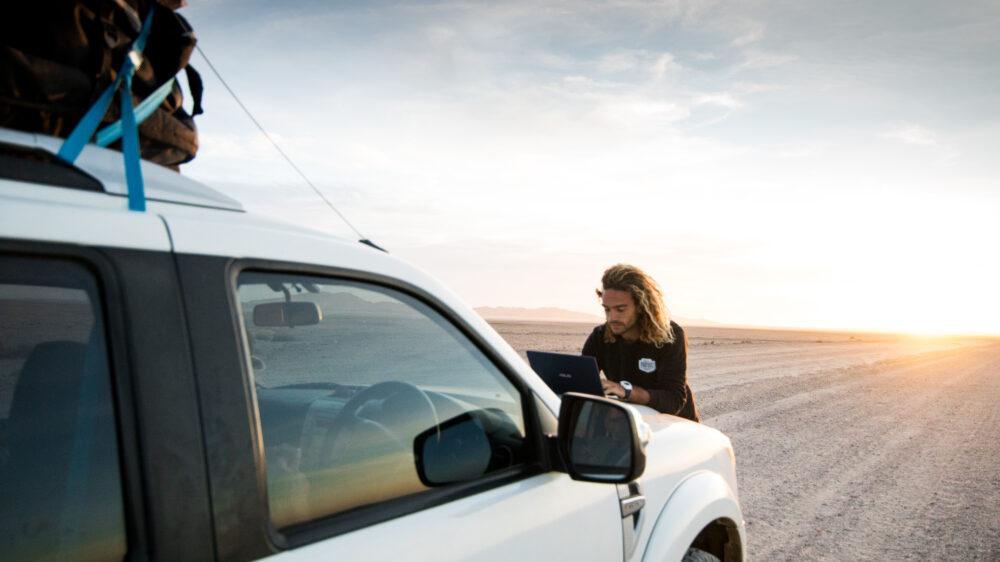 Roderick Pijls searching for waves in Namib desert