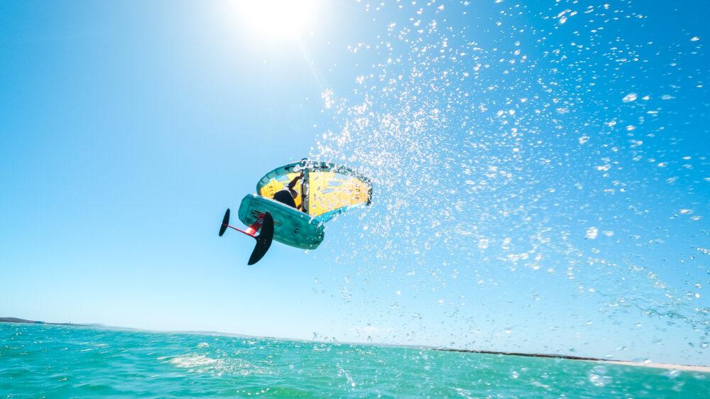 Appleslice Wing foil board jump