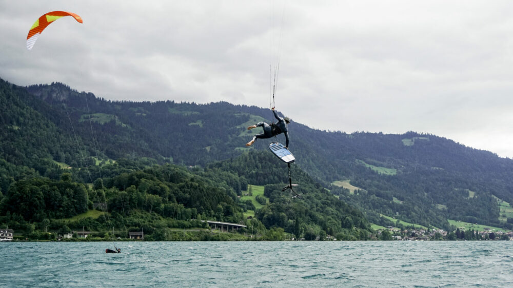 Mini foil kite board