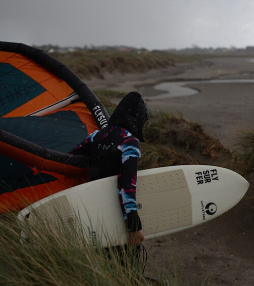 Appletree team rider Johanna-Catharina getting ready for a morning session on her Malus Domestics kite board